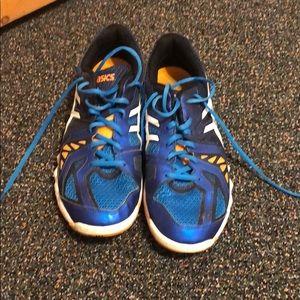 Men's ASICS tennis shoes